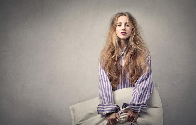 Sleepy young woman Premium Photo