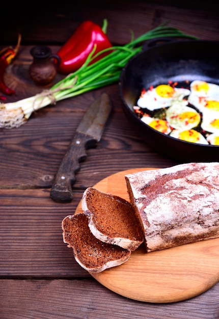 Sliced rye bread Premium Photo