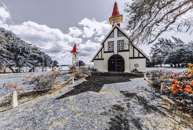 Маленькая церковь в кап-малерё на маврикии зимой Бесплатные Фотографии