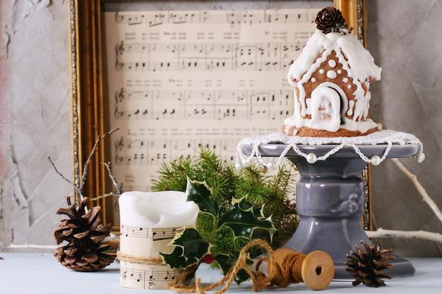 Small gingerbread house Premium Photo