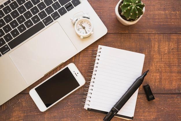 Smartphone, laptop and notebook Premium Photo