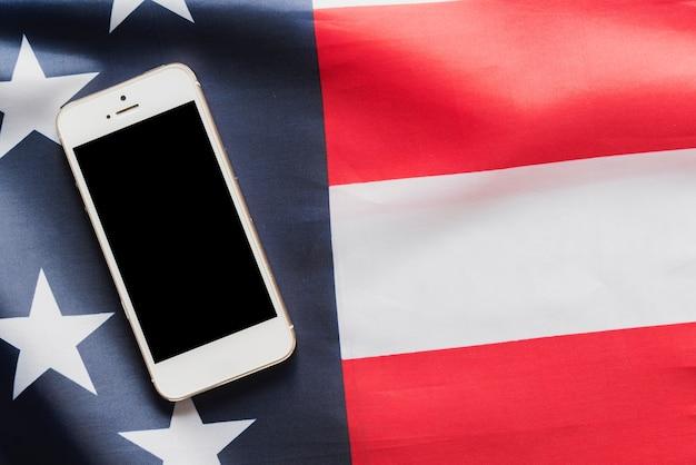 Смартфон на американском флаге Бесплатные Фотографии