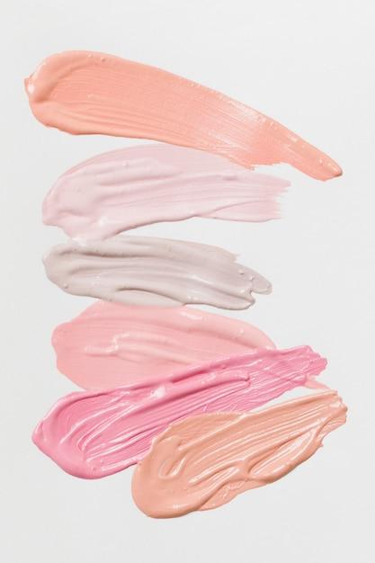 口紅のさまざまな自然な色の塗抹標本 Premium写真