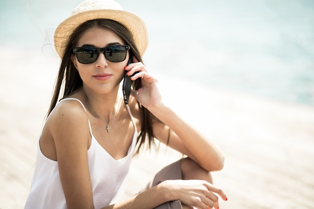 Girl with sunglasses Nude