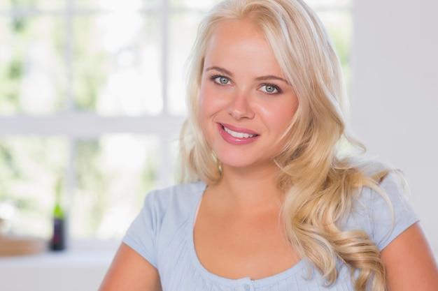 Smiling blonde woman portrait Premium Photo