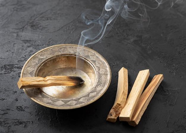 Fumo bursera graveolens spagnolo pianta sacra Foto Gratuite