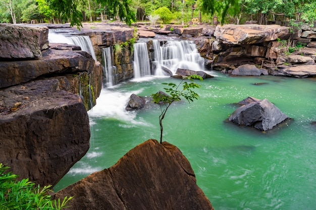 Smooth flow a tadtone waterfall in chaiyaphum thailand Premium Photo