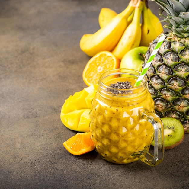 Smoothie juice with chia seeds Premium Photo