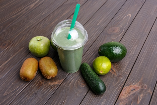 Smoothies with apples kiwi lime cucumber and avocado 1304 3472