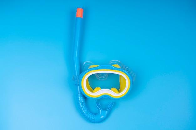 Snorkeling mask and tube Premium Photo