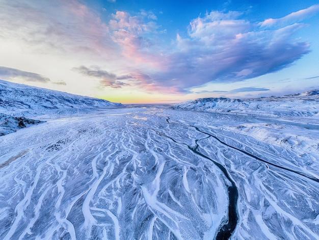 雪に覆われたフィールド 無料写真