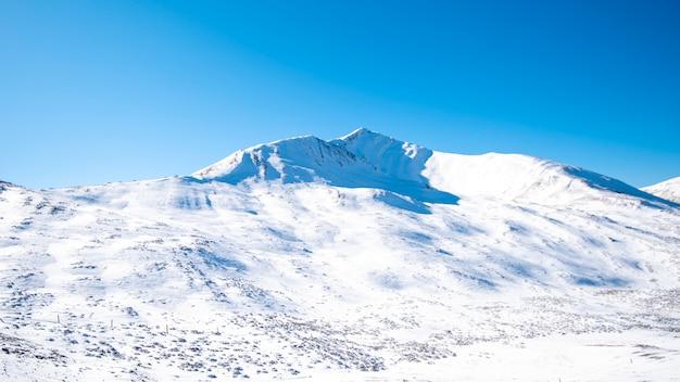 Snow mountain blue sky Premium Photo
