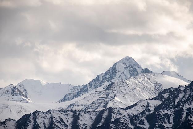 Snow mountain in leh,india Free Photo