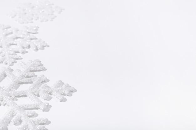 白い表面に雪片 無料写真