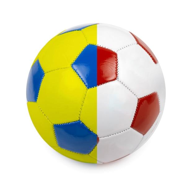 Футбольный мяч в цветах флага польши и украины на белом Premium Фотографии