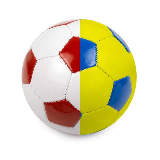 Футбольный мяч в цветах флага польши и украины Premium Фотографии