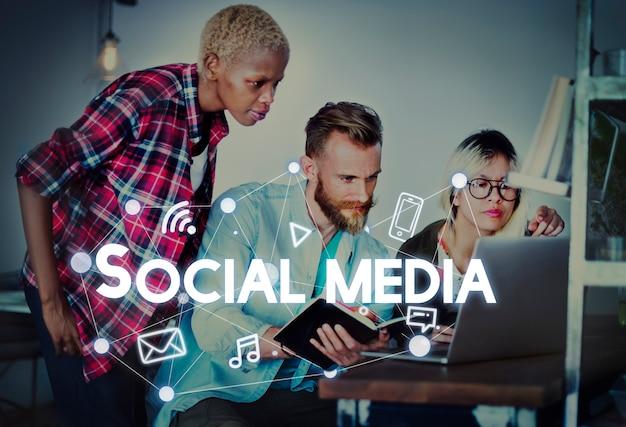 Social media connection graphics concept Premium Photo