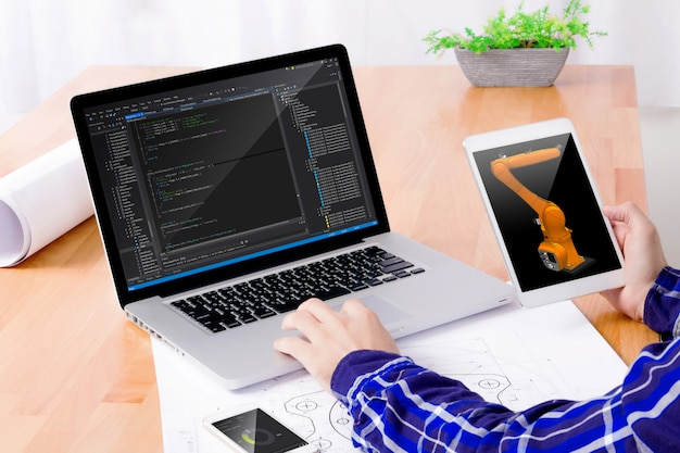 Software engineer at work. Premium Photo