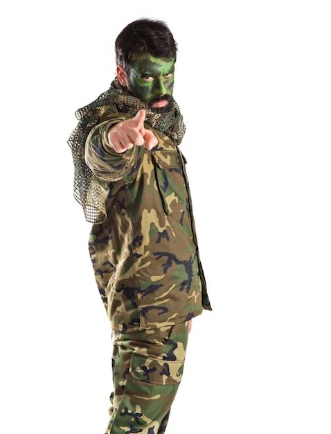 Солдат, указывающий на фронт Бесплатные Фотографии