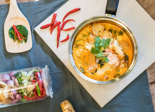 Sour seafood soup or tom yum seafood 1339 6678