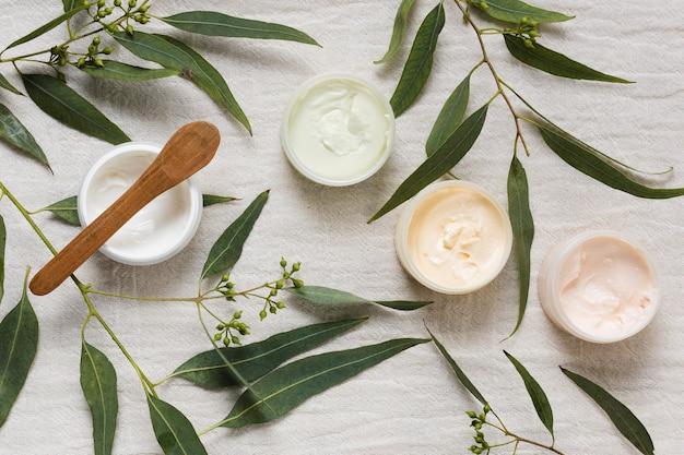 Кремы и листья для спа и косметических процедур Бесплатные Фотографии