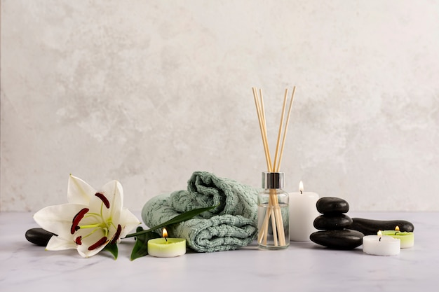 Spa arrangement with therapeutic items Free Photo