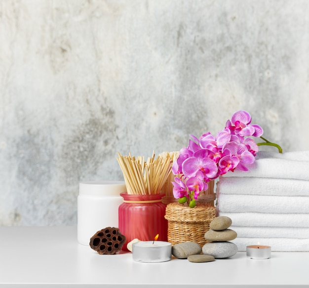 Spa composition on the table Premium Photo