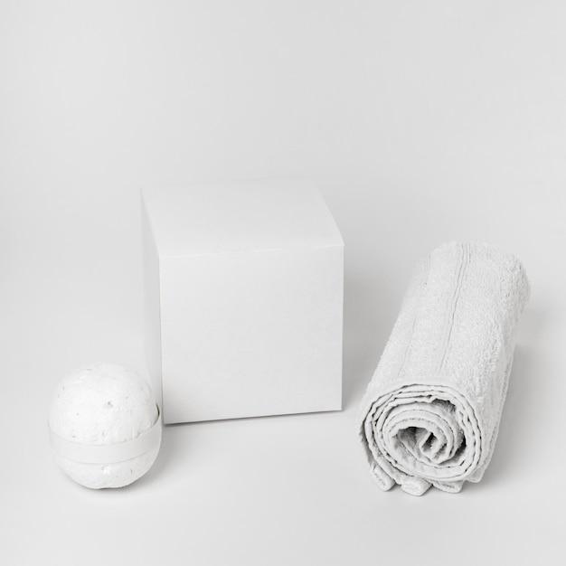 Spa elements arrangement on white background Free Photo