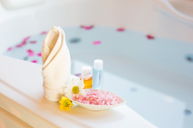 Spa massage compress balls, herbal ball and treatments spa Premium Photo
