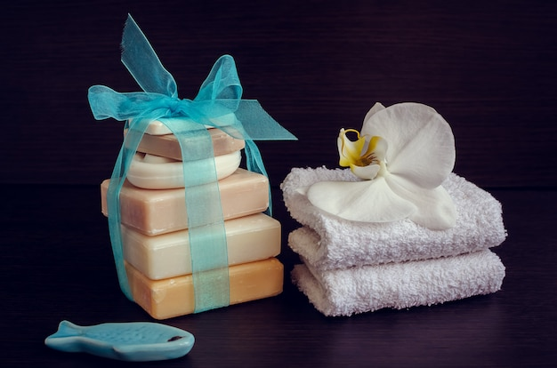 Spa setting with natural soaps Premium Photo