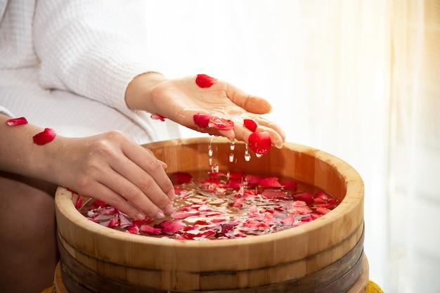 Spa treatments for female hands Premium Photo