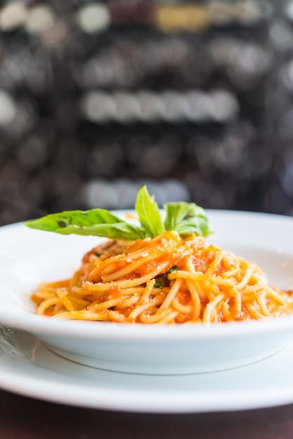 Spaghetti bolognese Free Photo