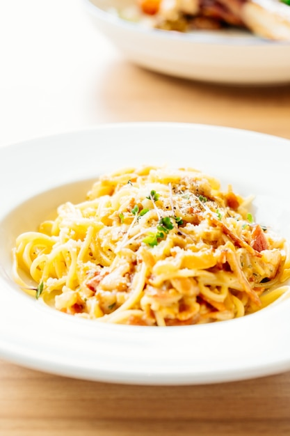 Spaghetti carbonara Free Photo