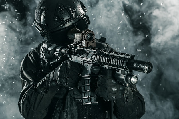 Spec ops police officer swat Premium Photo