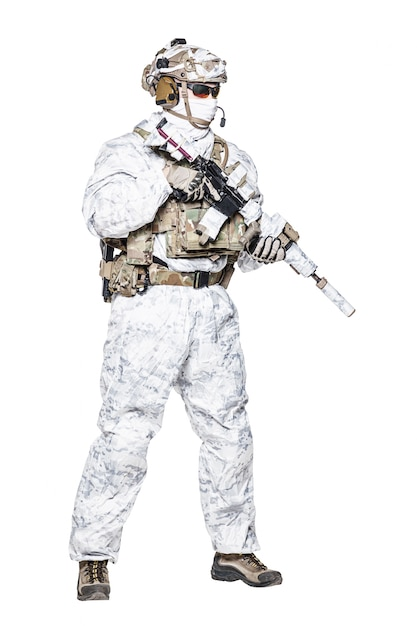 Special forces operator in winter camo clothes   Premium Photo