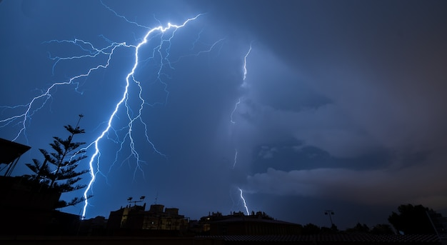 Spectacular lightning a stormy night Premium Photo