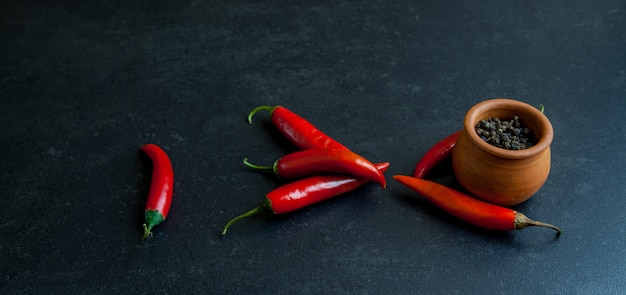 Spicy red chili with black peppercorns Premium Photo