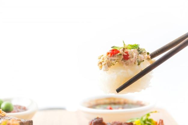 Пряные тунцовые суши Бесплатные Фотографии