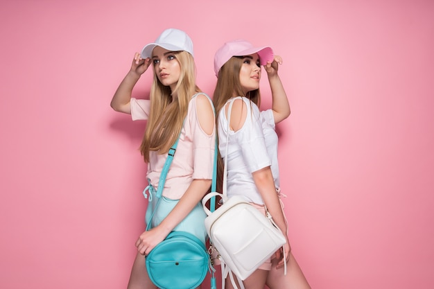 Sporty women with bags Premium Photo