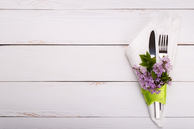 Spring festive table setting Premium Photo