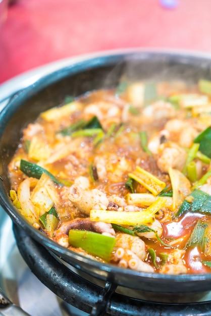 Squid in spicy soup (haemultang) Premium Photo