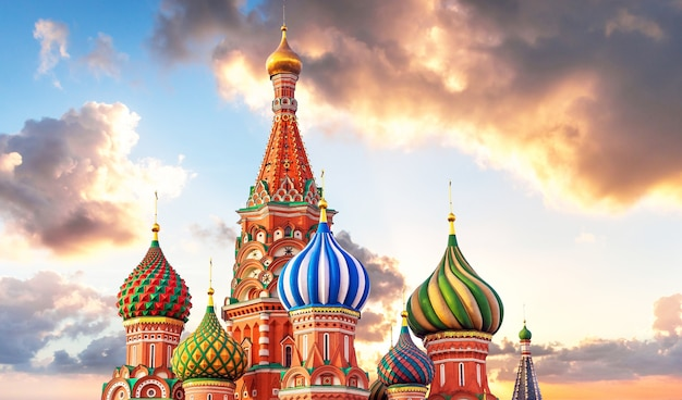 St. basil cathedral on red square in moscow, russia Premium Photo