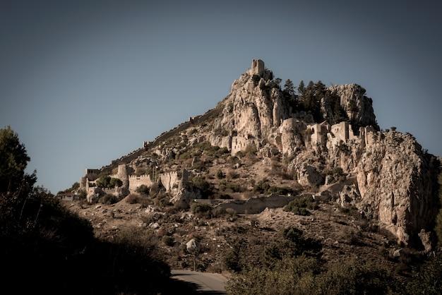 Замок святого илариона. кирения, кипр Бесплатные Фотографии