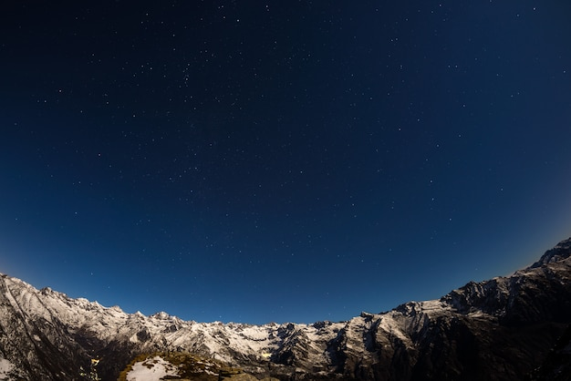 The starry sky above the alps Premium Photo
