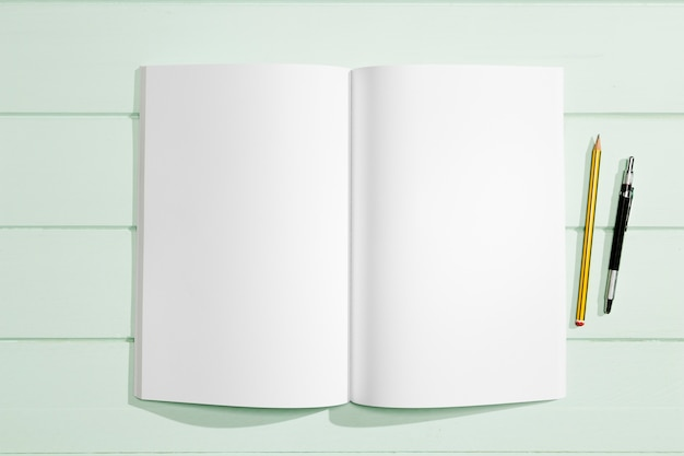 Stationery items and copy space white paper Free Photo