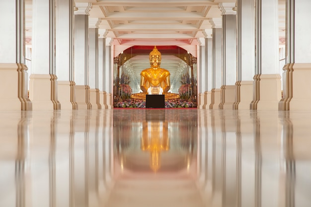 Statue of buddha sitting meditation in the temple. Premium Photo