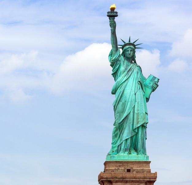The statue of liberty in new york city Premium Photo