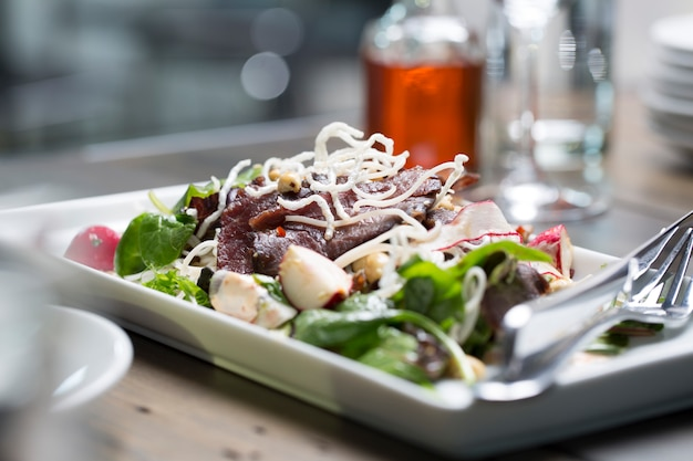Steak with salad Premium Photo