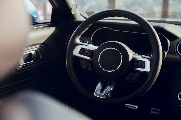 Steering wheel of luxury car Premium Photo