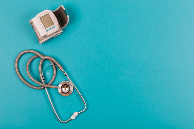 Stethoscope and blood pressure meter Free Photo